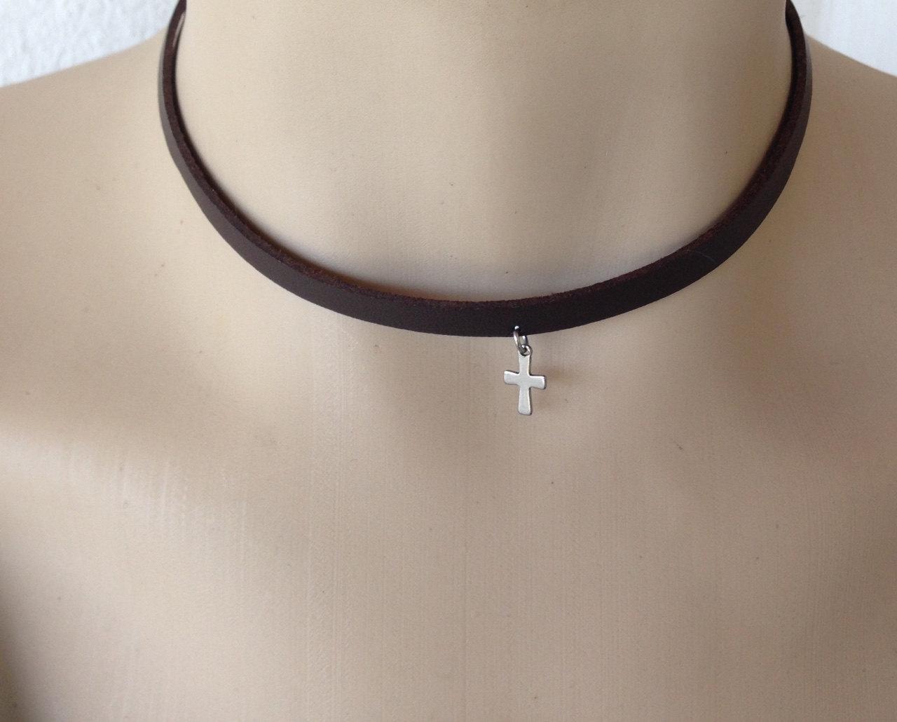 cross choker necklace in stainless steel